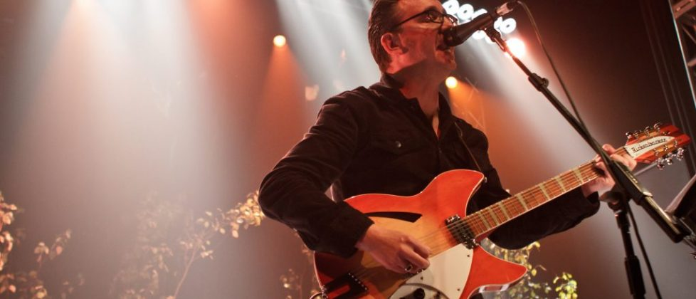http://www.nakedeyelighting.com/wp-content/uploads/2016/05/richardHawley-2.jpg